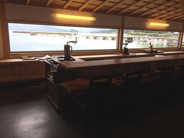 糸島観光、海を一望できる寿司屋